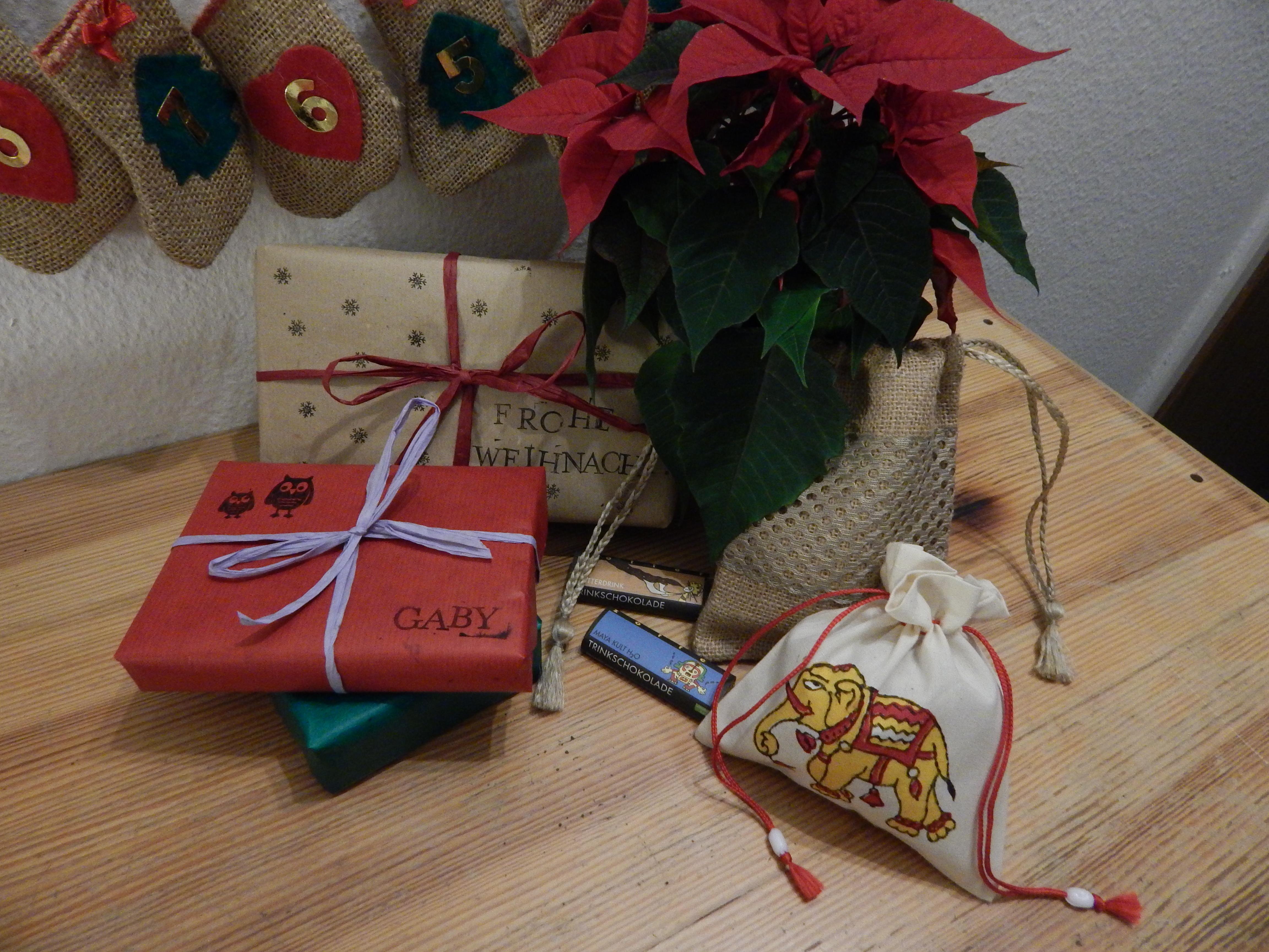 16 t rchen weihnachtsgeschenke fairpacken. Black Bedroom Furniture Sets. Home Design Ideas